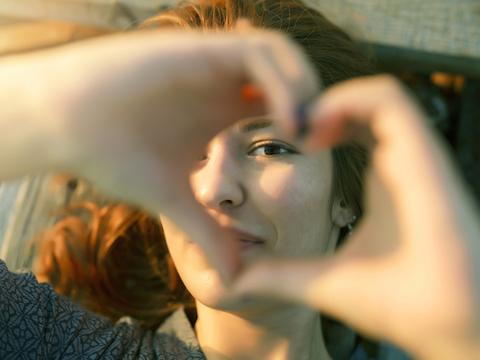 愛と豊穣の日バレンタインデーの起源は「古代ローマの合コン」 [The New York Times]