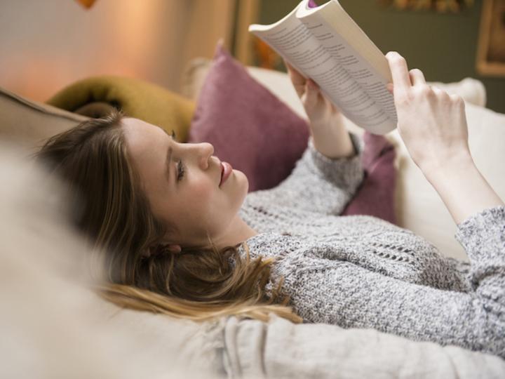 年間300冊読むプロ書評家にきく!教養を身につける読書術