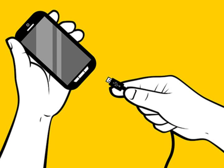 「充電しすぎはスマホのバッテリーをダメにする」は本当?