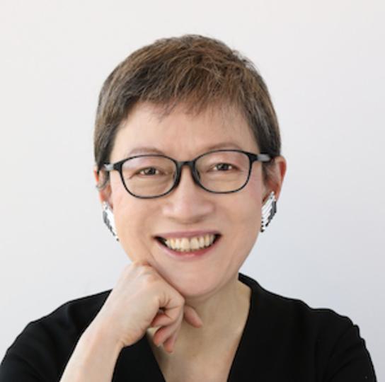 CynthiaUsuiBook2Photo1のコピー-1