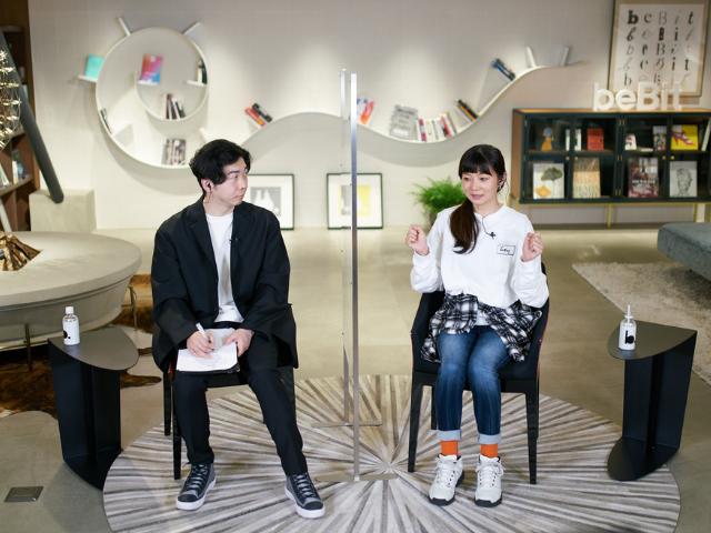 「L&UX2021」に登壇した藤井氏(左)と塚原氏(右)