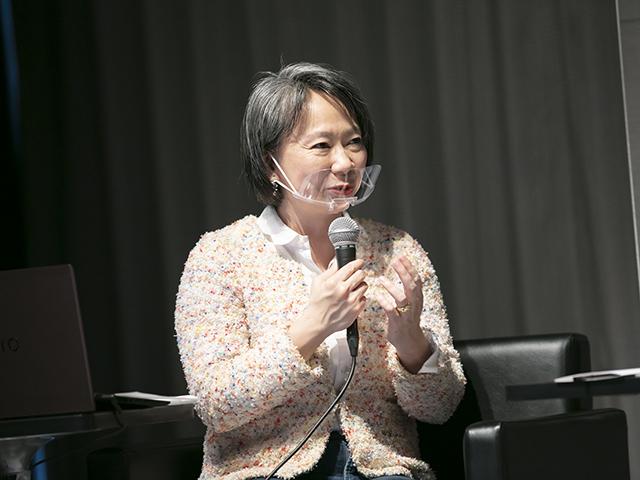 篠田真貴子氏