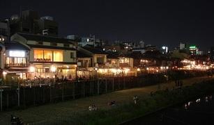 京都の夏の風物詩・川床。懐石のイメージを覆すユニークなお店3選