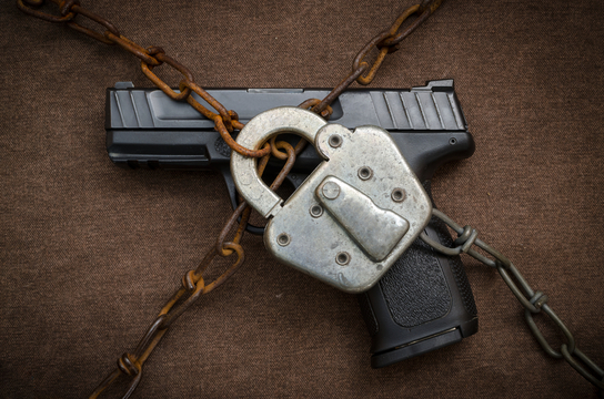 ブロックチェーンは、銃社会アメリカを救えるか? スマートガンに噛み付く銃規制反対派