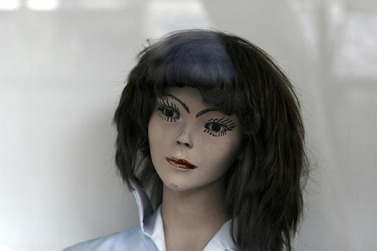 「AI」は声でセクハラを助長する? 「女性秘書はロボットだから」に潜む人間の危険性