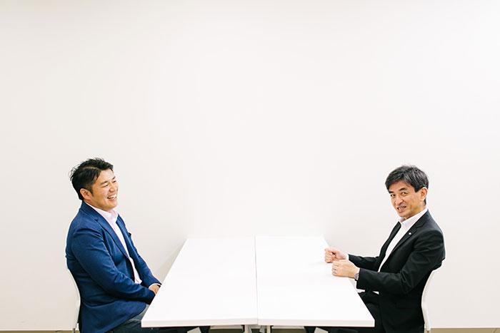 対談する田中氏と畠山氏