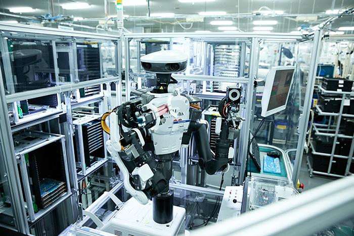工場内の検査エリア