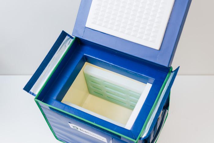 アイスバッテリーの専用ボックスの写真