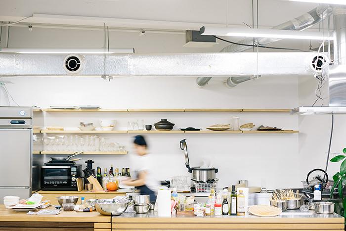 プラネット・テーブル社内のキッチン