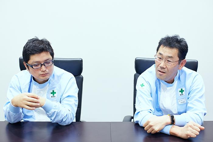 キユーピー株式会社ラインテクニクスチームリーダー 岩本聡輔、キユーピー株式会社神戸工場長 須藤智美