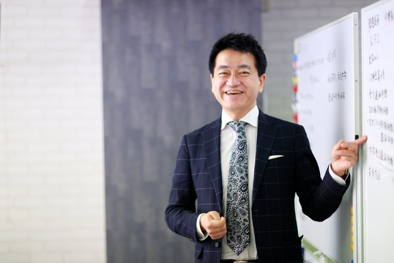 コンサルタント・角井亮一氏が提唱する、ECや人手不足で激動する業界における「戦略物流」の必要性