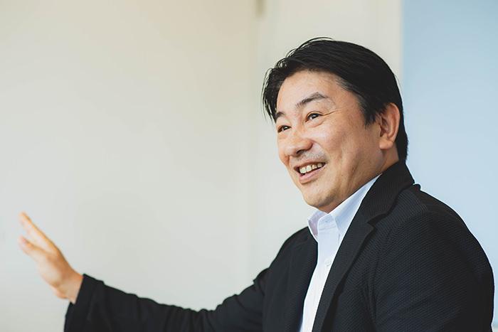 鈴木康弘氏