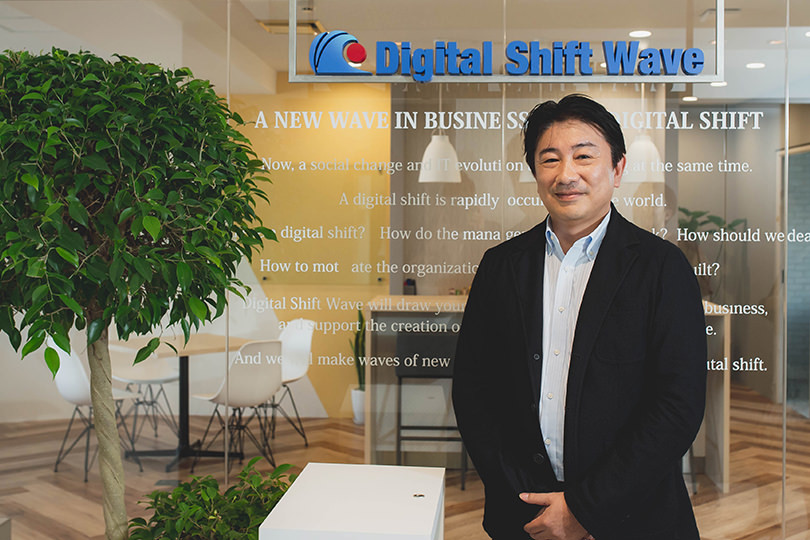 Amazonと日本の小売業は何が違う? デジタルシフトをリードする鈴木康弘氏が語る「カスタマーファースト」の重要性