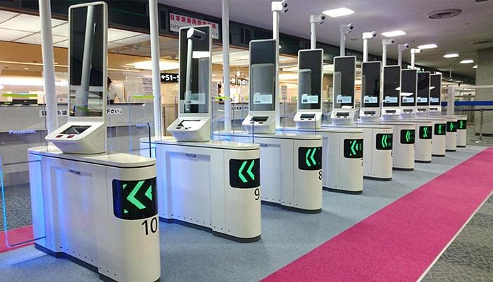 空港で使われているパナソニックの顔認証ゲート