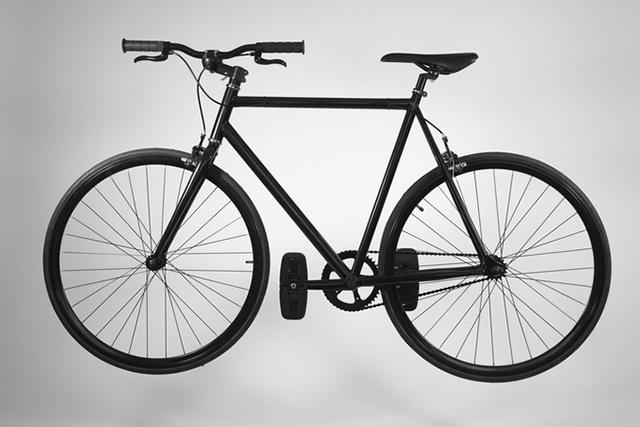自転車の駐輪が楽になる。なぜならハンドルとペダルがトランスフォームするから