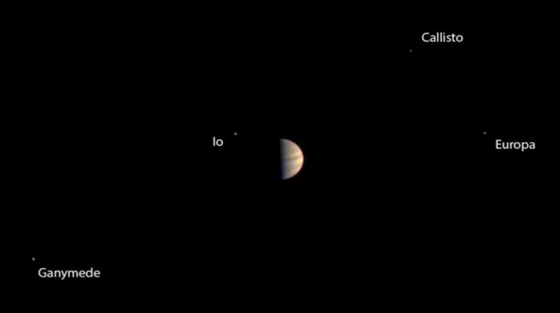 木星探査機ジュノー、周回軌道到達の直前にガリレオ衛星の映像を撮影していた