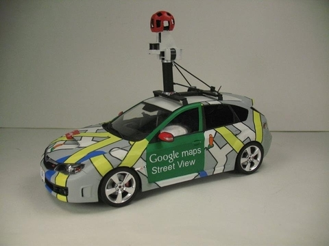1/24スケールのGoogleストリートビューカーを作った猛者現わる。ちゃんとカメラ付き!