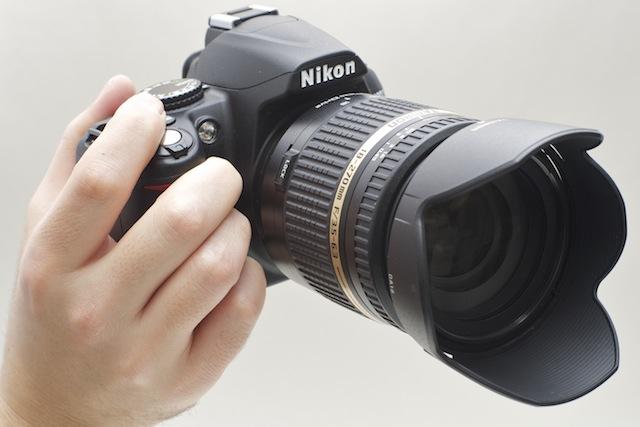 110201hand_lens.jpg
