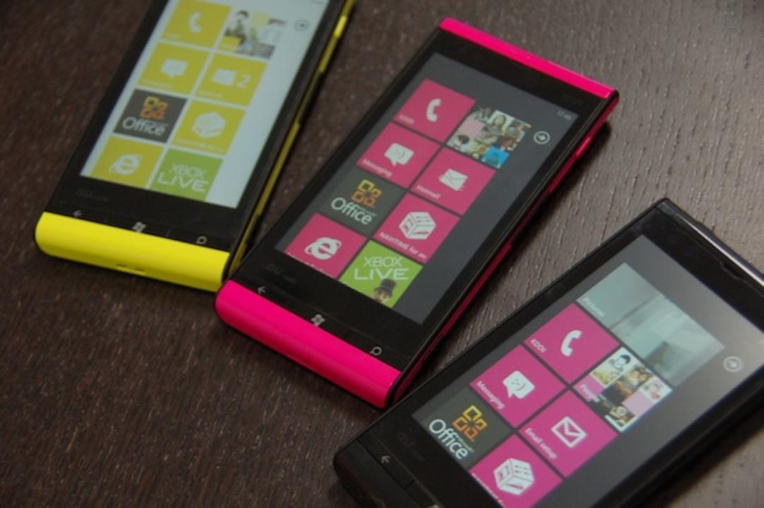 触れば触るほど癖になる。サクサクでぬるぬるなWindows® Phone IS12Tレビュー