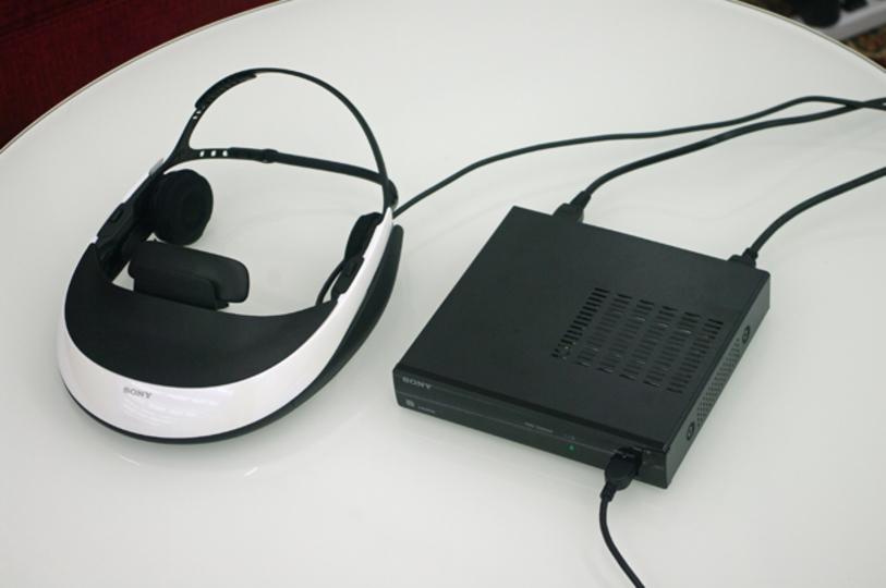 3Dにも対応するヘッドマウントディスプレイ、ソニー「HMZ-T1」を使ってみたら欲しくてたまらなくなった!