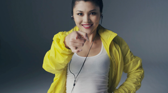 120712sony_headphone_video02-03.jpg