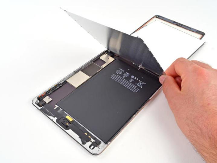 【 #iPadmini 】分解してわかった。iPad miniの作りはiPod touchに近く、完成度が高い