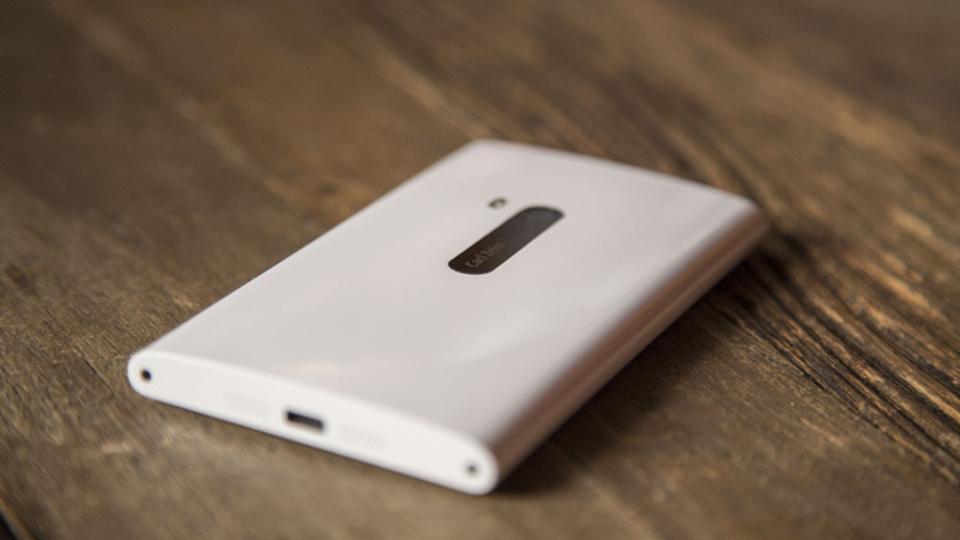 米ギズレビュー:Lumia 920、重い...美しいけど重い...(動画あり)