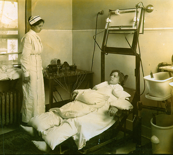 121126Kellogg_patented_electrotherapy_exercise_bed.jpg