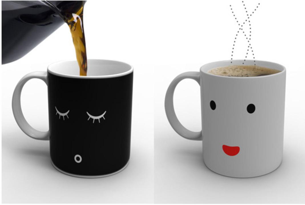 ずーんと沈んだ朝に元気をくれるかもしれないライフハック。「Morning Mug」にコーヒーを注ぐだけ。