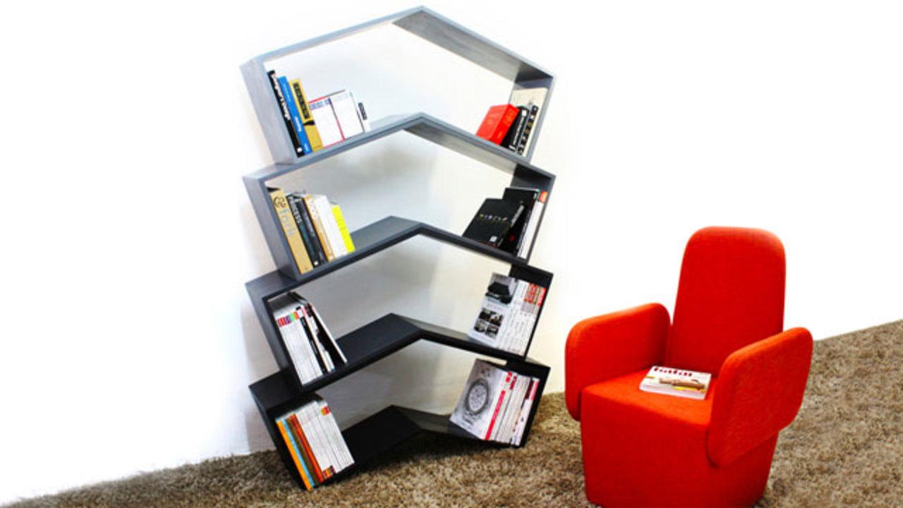 中身がスカスカになっても絶対に本が倒れない本棚