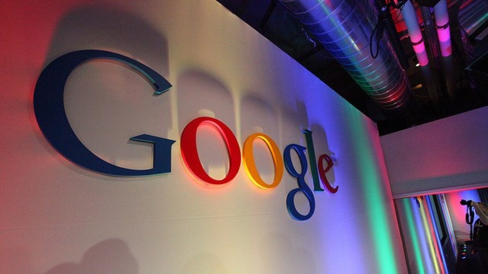 探す前に「答え」が出る検索、グーグルが開発中