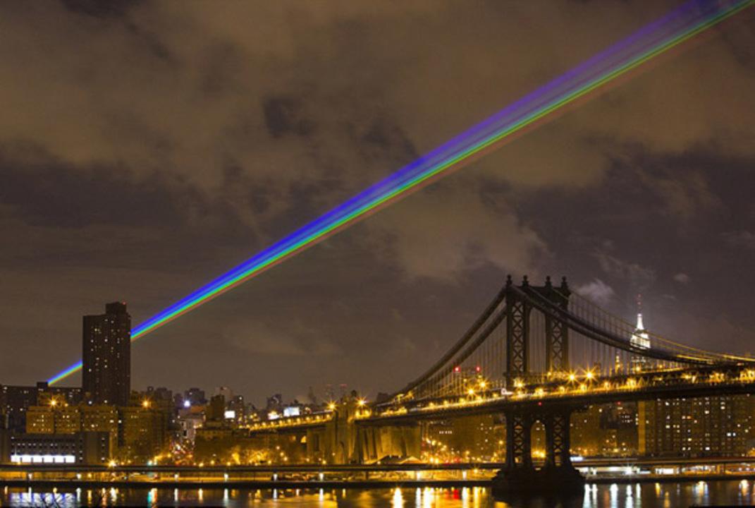 ニューヨークに現れた56kmにも伸びる希望の虹