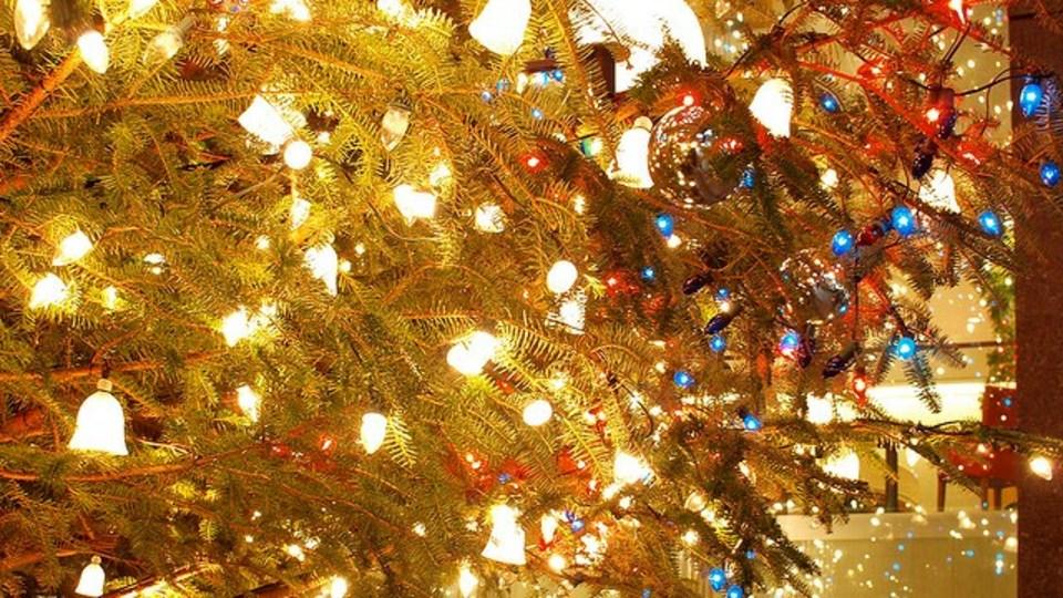 美しくクリスマスツリーを飾り付けるための方程式があった