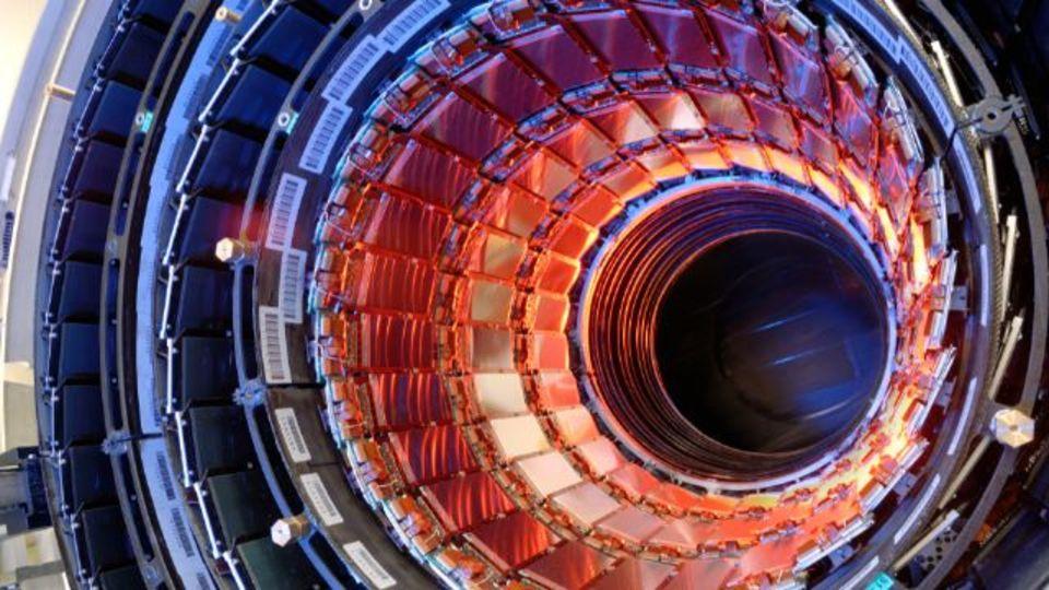ヒッグス粒子は2種類存在? 新たなデータ分析が示唆