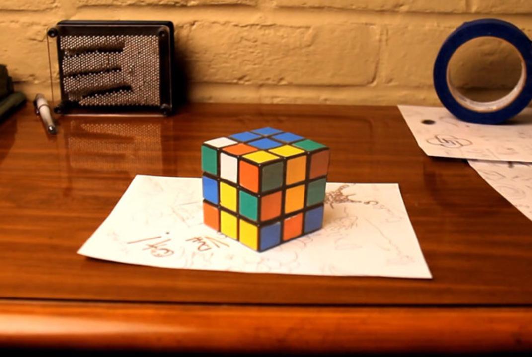これは騙される! 驚異の卓上3Dトリックアート