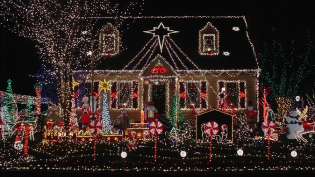 クリスマス満開! アメリカの自宅イルミネーショングッズ