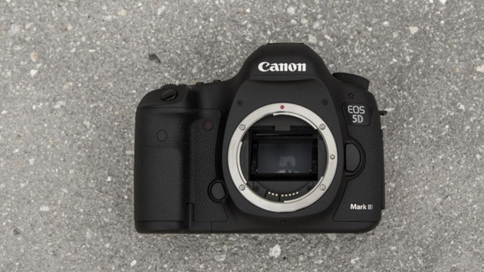 今年のロイターベストフォトのEXIFからプロのカメラと設定を徹底分析