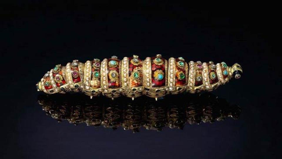 約200年前に作られた金ピカいも虫ロボット、お値段3500万円(動画)