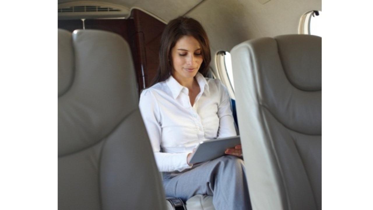 飛行機でWI-Fi利用が当たり前になる日も近い? 米連邦通信委員会がライセンス申請プロセスを発表