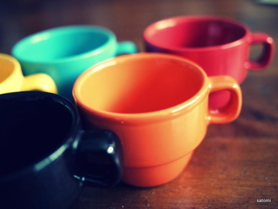 ココアはオレンジ色とクリーム色のカップが一番おいしく感じる