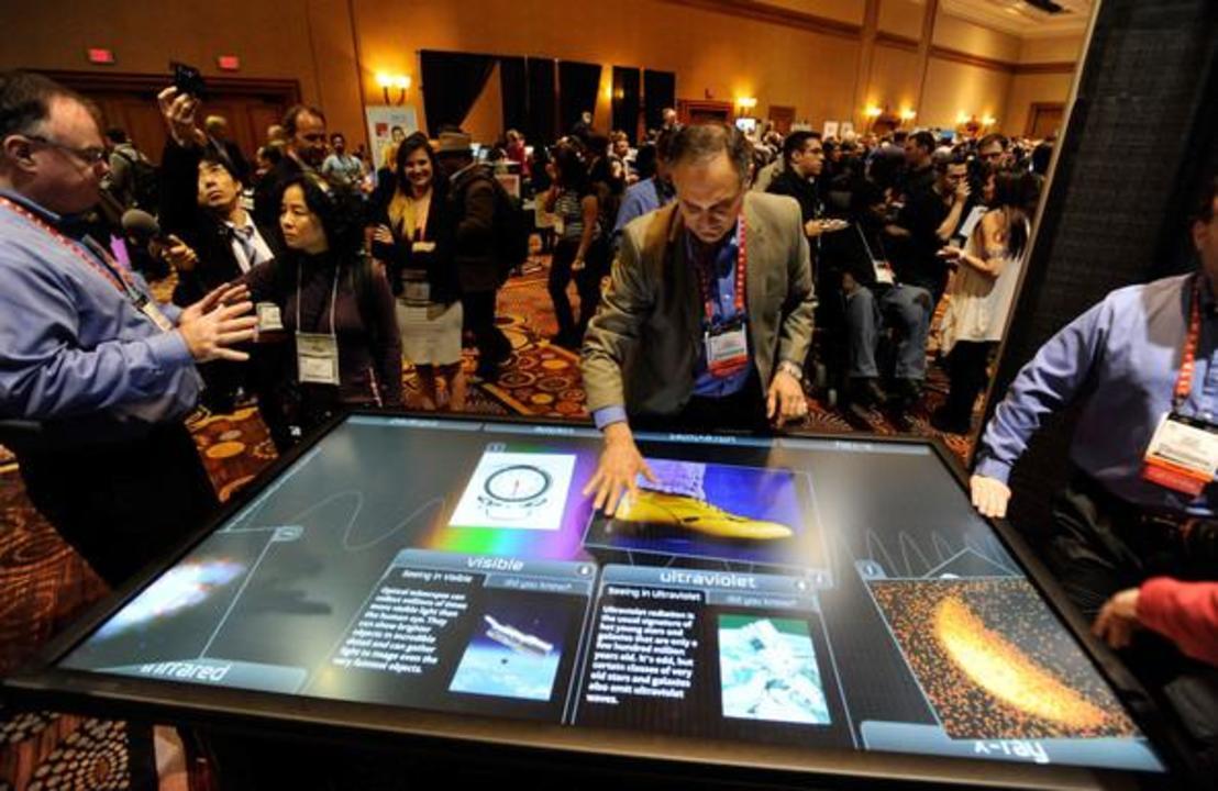 [ #CES2013 ]3Mがマルチタッチスクリーンテーブルを展示。そのサイズ、なんと84インチ!