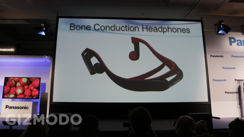 [ #CES2013 ]体の芯から音楽漬け。パナソニック、骨伝導ヘッドフォン「RP-BTGS10」発表