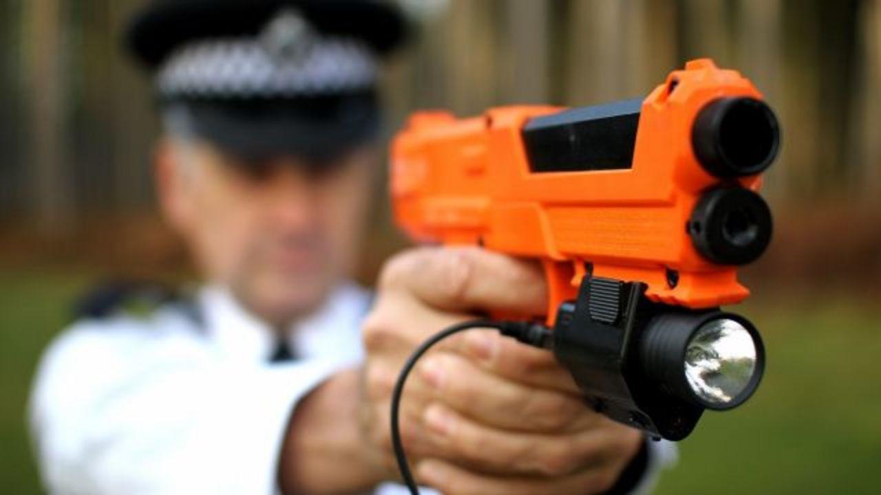 弾丸じゃなくDNAを発射する銃で、犯人逮捕!