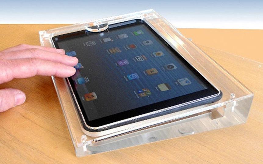 アップルストア風のiPad miniディスプレイケース