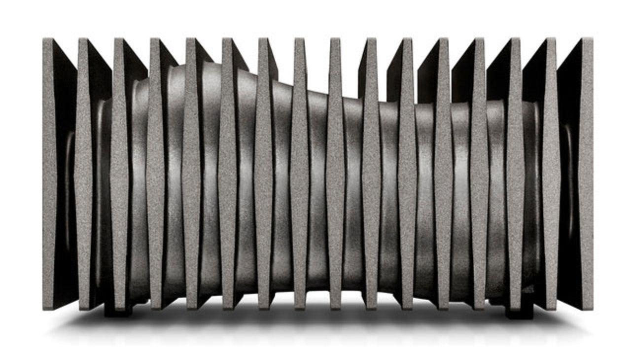 [ #CES2013 ]LaCieの4TB外付けハードドライブはSFチックなデザインが魅力