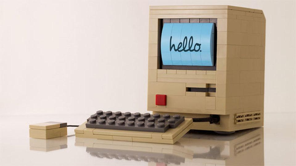 レゴマスターが作ったレゴでできた初代Macがお見事