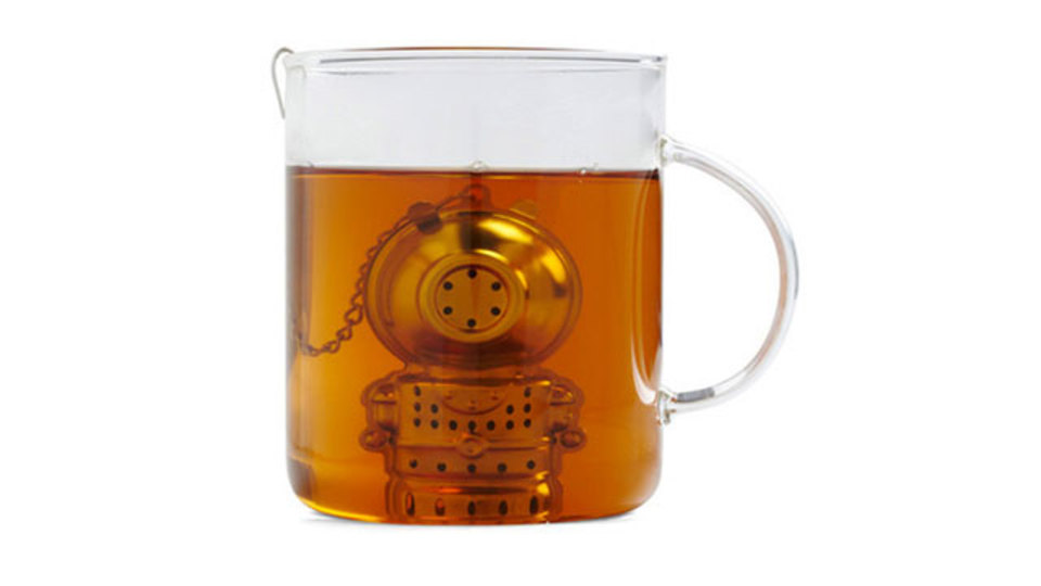 お茶の海の底の底、ティーカップの奥深くまで探索したくなるインフューザー