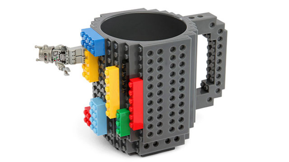 欲しい、これが欲しいったら欲しいの! レゴブロックのマグカップ