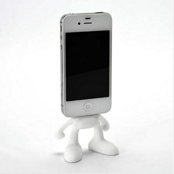 かわいいなこれ。iPhone/iPod充電スタンド「Pinhead for iPhone4S/4」