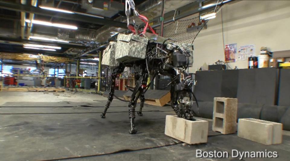 これが進化......か。あのキモい4足ロボットに首が生えました。